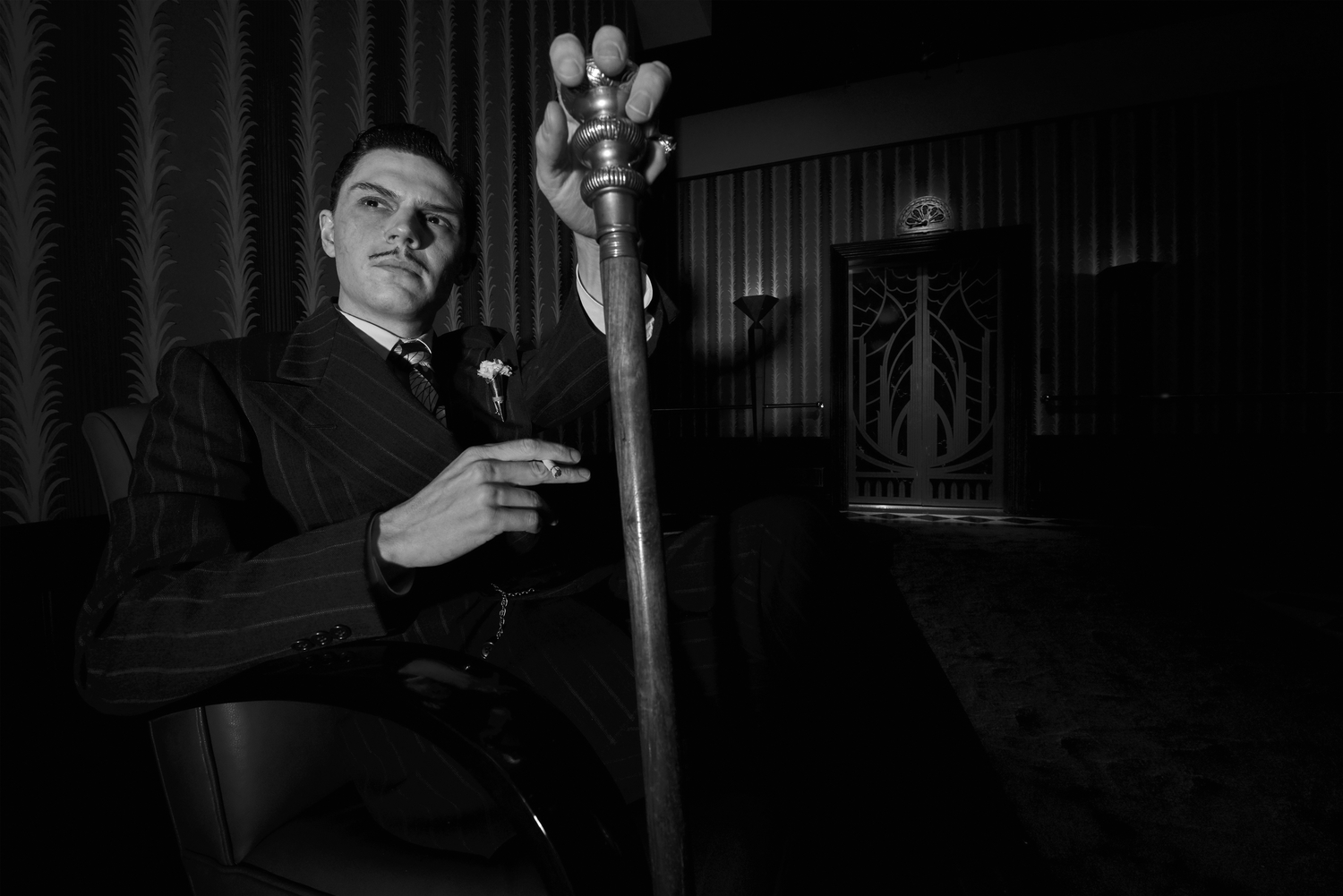 AMERICAN HORROR STORY: HOTEL -- Pictured: Evan Peters as Mr.March. CR: Frank Ockenfels/FX
